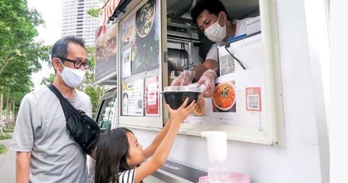 フードトラックはこれまでの都心のオフィス街から住宅街やマンションへも出店を広げている