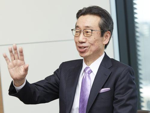 """<span class=""""fontBold"""">宮本昌志(みやもと・まさし)氏</span><br />1959年生まれ。85年3月東京大学大学院薬学系研究科修士課程を修了し、同年4月キリンビール入社。医薬事業本部医薬探索研究所で創薬研究に携わった後、創薬企画、戦略マーケティングなどを担当。2007年7月キリンホールディングスに出向して経営企画部主幹を務めた後、2011年1月協和発酵キリン(現協和キリン)に復帰し、2012年3月執行役員、2017年3月取締役常務執行役員、2018年3月代表取締役社長。"""