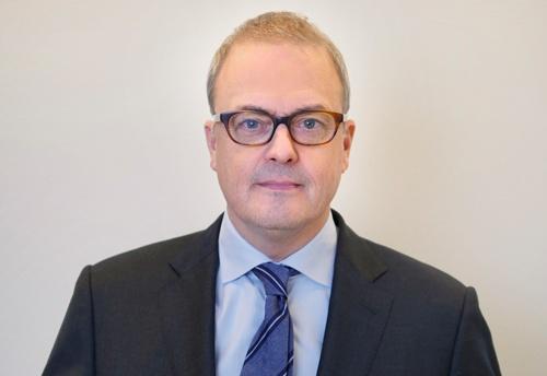 ランセットという医学雑誌を出版するオランダのエルゼビアのジャーナル担当マネージング・ディレクターであるフィリップ・テアヘーゲン氏