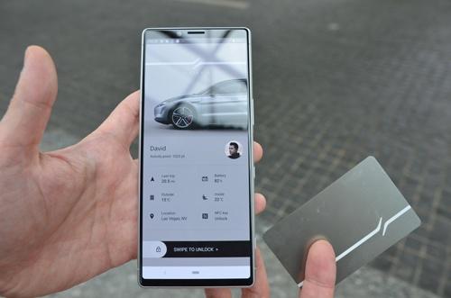 スマートフォンのアプリや専用カードでドアの開閉が可能