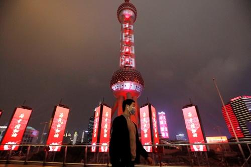 再び閉鎖された上海市の東方明珠テレビ塔(写真:ロイター/アフロ)