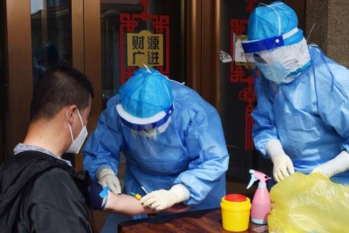 ロシアとの国境がある黒竜江省綏芬河市は新型コロナウイルスの「逆輸入」を警戒している(写真=ロイター/アフロ)
