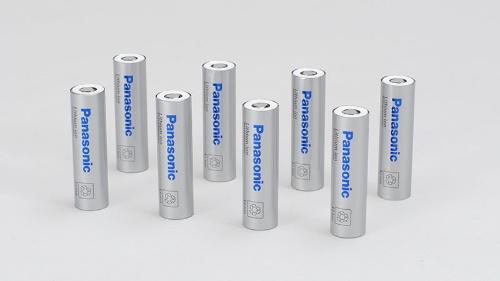 パナソニックが自動車用に供給する円筒形電池