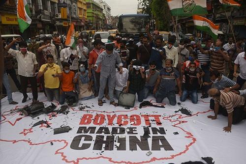 国境紛争を機に対中感情が悪化したインドでは中国製品の不買運動や抗議デモが起きている(写真:Hindustan Times / Getty Images)