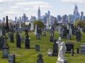 新型コロナ爆発のNY、医療の次に来た「葬儀崩壊」