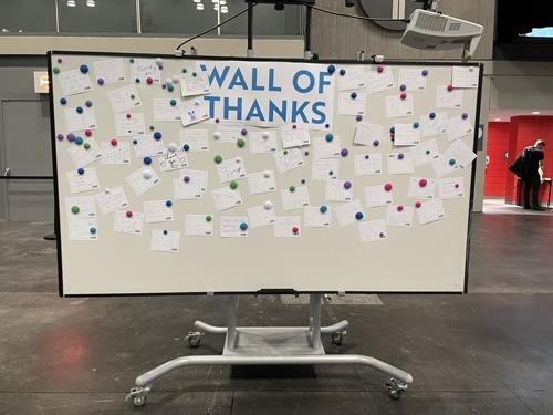 会場に置かれていた「感謝のボード」。筆者も感謝の気持ちをしたためてきた