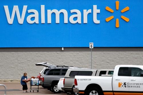 従業員の遺族がウォルマートに対して起こした訴訟は、エッセンシャルワーカーが提訴する初めてのケースとされる(写真:AP/アフロ)