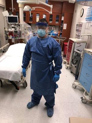 PPEを装着して新型コロナと闘う