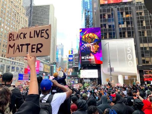 「アメリカは暴力の上に生まれた」 NYで聞いた抗議デモの真意