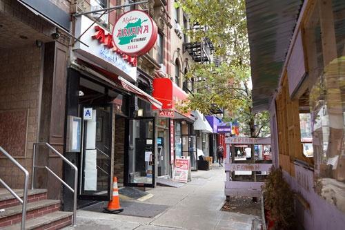 ワリさんが営むAriana Afghan Kebob。マンハッタンの中でも、バラエティー豊かなレストランが集まるへルズキッチンと呼ばれる地域にある