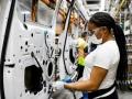 働くより「失業」が得? 人手不足に苦悩する米自動車工場