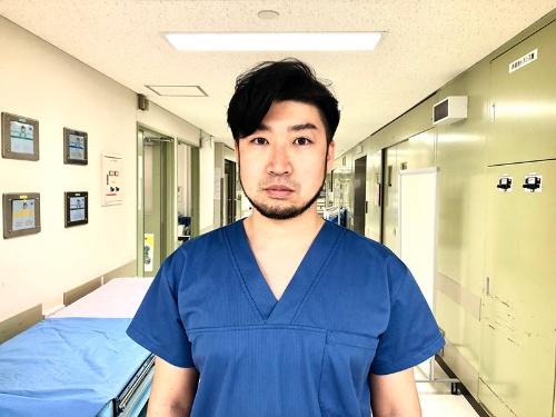 "<span class=""fontBold"">澁谷泰介(しぶや・たいすけ)医師</span><br>神奈川県出身、私立桐朋高校卒業。2012年横浜市立大学医学部医学科卒業。同大学で初期研修の後、横浜市立大学外科治療学教室に入局し、心臓血管外科医として勤務。2019年よりベルギーのルーベン・カトリック大学心臓外科で臨床・研究フェローとして勤務"