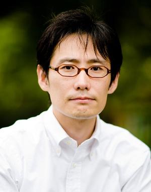 "<span class=""fontBold"">山森亮(やまもり・とおる)氏</span><br />同志社大学経済学部教授。Basic Income Earth Network理事。著書にBasic Income in Japan(共編、Palgrave Macmillan)、『ベーシック・インカム入門』(光文社)、『労働と生存権』(編著、大月書店)など。英国労働者階級の女性解放運動についてのオーラルヒストリー研究で2014年Basic Income Studies最優秀論文賞を受賞。必要概念の経済思想史研究で2017年欧州進化経済学会Kapp賞を受賞"