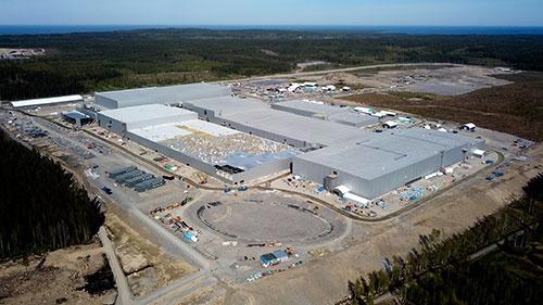 16年に創業したスウェーデンのノースボルトが建設中の巨大電池工場。同社は欧州投資銀行から融資を受けている