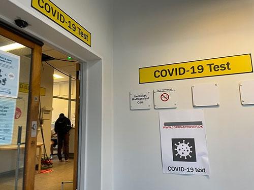 デンマーク・コペンハーゲンのコロナ検査会場。この会場では予約しなくても無料で検査を受けられた