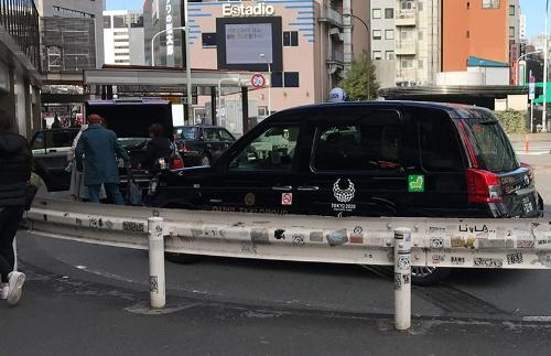 都内のタクシー乗り場。利用客は従来よりも少なくなっている