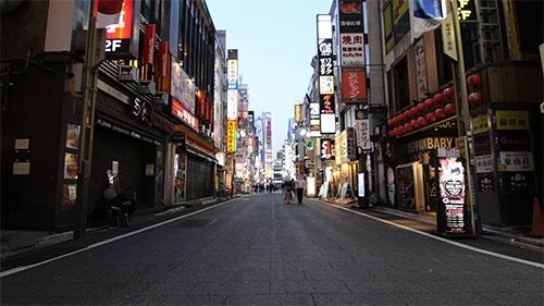 外食店はかつてないダメージを受けている(写真は新宿区歌舞伎町、4月8日)
