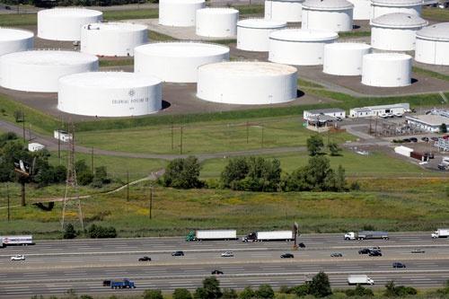 米国では石油パイプラインが停止した(写真:AP/アフロ)