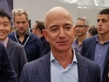 アマゾンのベゾスCEOが退任表明、「これまでになく独創的」