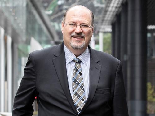 """<span class=""""fontBold"""">ビル・ルー氏</span>。2019年から豪レンドリースのデジタル部門のCEOを務める。GEのDX推進の中心人物だった"""