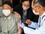 菅政権と日本経済の先行きを左右する「ワクチン接種のスピード」