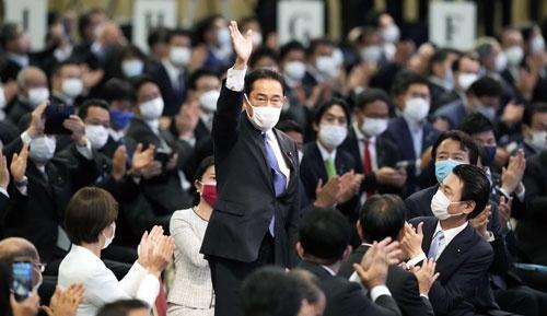 自民党の新総裁に選出された岸田前政調会長(写真:共同通信)