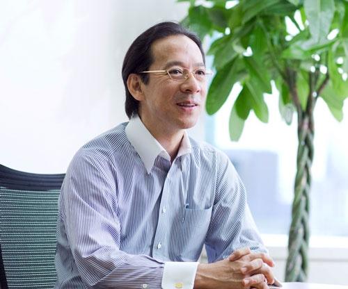 水永政志[みずなが・まさし]氏  1964年生まれ。東京大学農学部を卒業し、89年三井物産に入社。95年米UCLA経営大学院に留学してMBA取得、ボストン・コンサルティング・グループ入社。96年からはゴールドマン・サックス証券で先端金融商品の開発や資産運用を担った。2000年に日本初のREIT運用会社、ピーアイテクノロジー(現いちご)を設立したが、直後にITバブル崩壊に遭って売却。いったんGSに戻った後、02年にスター・マイカを設立し、リノベーションマンション市場のリーディングカンパニーに育てた。
