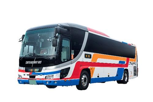 混雑を避け、高速バスの車内で仕事をしながら通勤するという提案は空振りに終わった(東急提供)