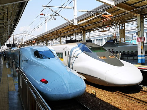 鉄道事業などのデジタルトランスフォーメーションを目指す