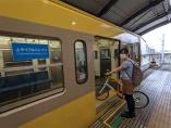 西武鉄道がサイクルトレイン運行 「地方の知恵」が乗客減を救うか