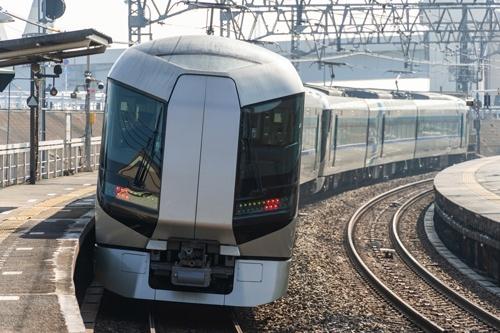 東武鉄道はチケットレスサービス限定で特急料金を半額にするキャンペーンを実施した(写真:PIXTA)