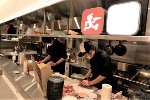 デリバリー専門の飲食店向けキッチンを出前館が提供している(出前館が東京都江東区に開いたクラウドキッチン)