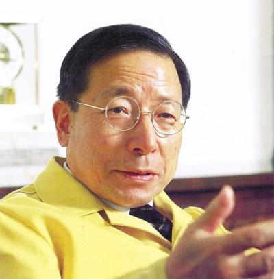 1980年代には米GMや米GEと合弁を設立。FAブームを巻き起こすと話していた(写真:中西 昭、89年撮影)