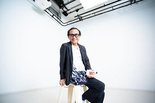 "<span class=""fontBold"">遠山正道(とおやま・まさみち)氏</span><br />スマイルズ代表取締役社長。1962年生まれ。1985年に慶應義塾大学を卒業し、同年三菱商事に入社。1999年にスープ専門店「スープストックトーキョー」開店。2000年に三菱商事初の社内ベンチャー企業として株式会社スマイルズを設立、代表取締役社長に就任した。現在、「Soup Stock Tokyo」のほか、「giraffe」、「PASS THE BATON」「100本のスプーン」など様々な事業を展開。"