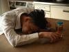 コロナ禍で消えた監視の目 アルコール依存症急増の足音