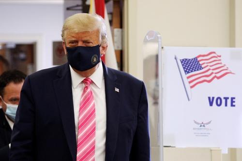 トランプ大統領はマスクに対する態度を転換した(写真:ロイター/アフロ)