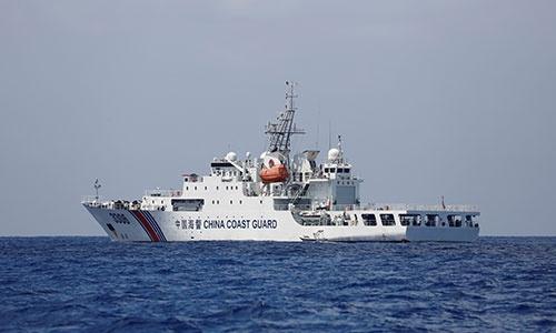 中国海警局の巡視船。海警法の施行により、その法的位置づけに懸念が生じている。巡視船なのか、軍艦なのか(写真:ロイター/アフロ)