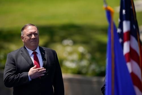 マイク・ポンペオ国務長官。トランプ大統領からの禅譲を期待しているとみられる(写真:代表撮影/AP/アフロ)