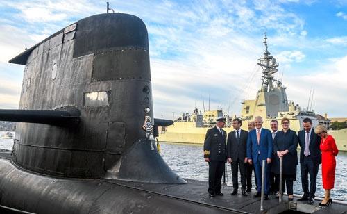 オーストラリアはフランスへの潜水艦発注を破棄し、米英とともに原子力潜水艦の開発に取り組む(代表撮影/AP/アフロ)
