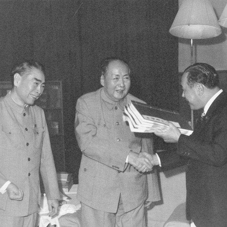 「中国が台湾に武力行使するのを容認しない、と言い続けよ」