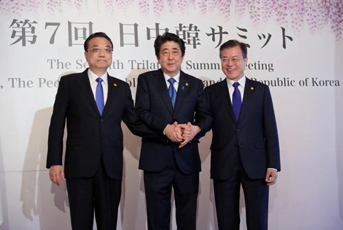 日本は中国、韓国と初のFTAを結んだ(写真:AP/アフロ)