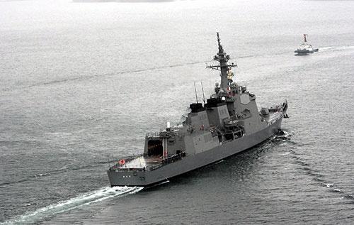 イージス艦「あたご」。閣議決定で導入を決めた「イージス・システム搭載艦」は「イージス艦」とは異なる可能性がある(写真:新華社/アフロ)