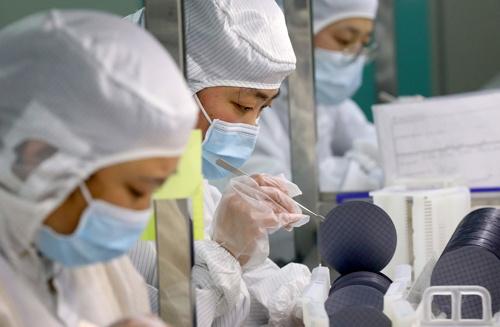 中国では半導体工場への投資が旺盛だ(写真:Featurechina/共同通信イメージズ)