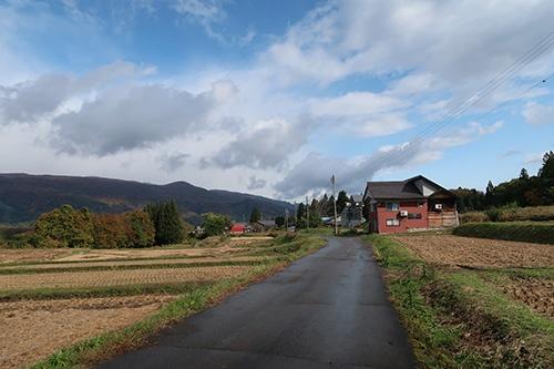 道路、用水路の維持管理や農作業などは、住民が集落単位で取り組んできた