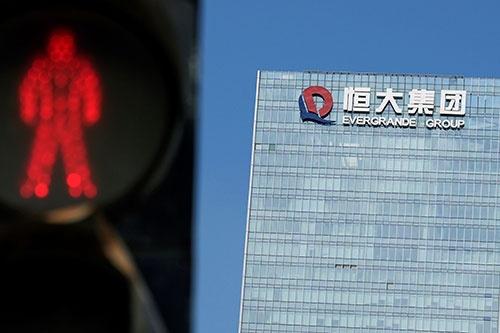 30兆円以上ともいわれる負債を抱え、破綻が懸念される中国恒大(写真:ロイター/アフロ)