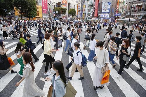 緊急事態宣言が解除され、渋谷には混雑が戻り始めている(写真:共同通信)