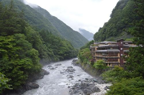 慶雲館は「甲斐の秘湯」といわれ、1300年以上の歴史を持つ(写真:栗原克己、以下同)