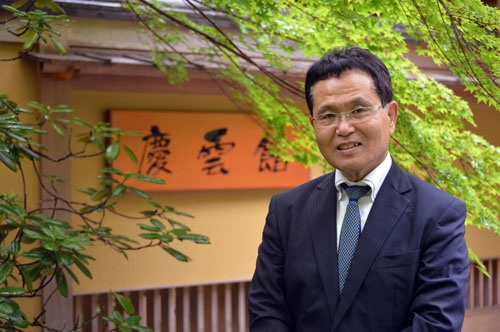 川野氏はファミリー出身以外で初めて事業を引き継いだ(写真:栗原克己)