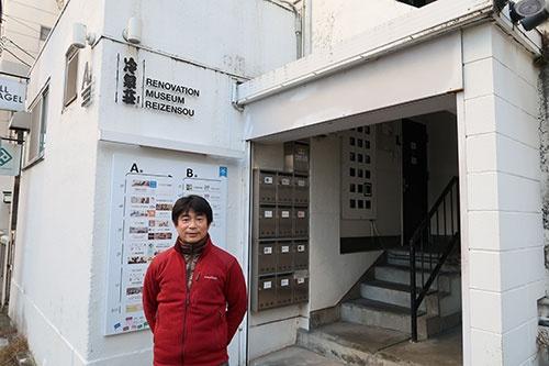 小規模オフィスを提供する吉原氏。東京から家族で移住してくる人も多いという
