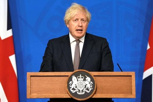 英国のジョンソン首相は、7月19日に新型コロナウイルス対策の行動制限措置を廃止することを発表した(写真:代表撮影/ロイター/アフロ)